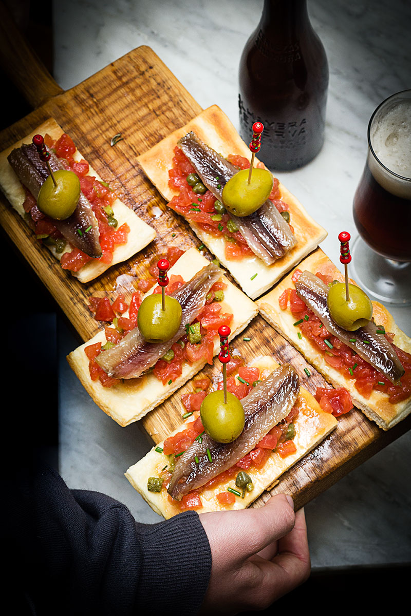 tosta-de-sardina-ahumada-y-tartar-de-tomate-web-6