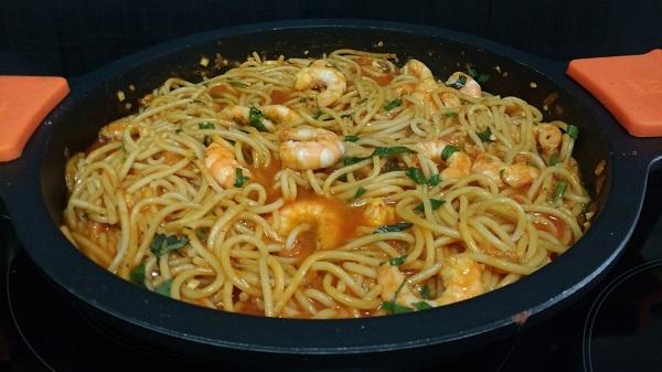 espaguetis-con-langostinos-y-salsa-de-tomate-casera-3