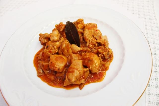 pollo-en-salsa-de-cebolla