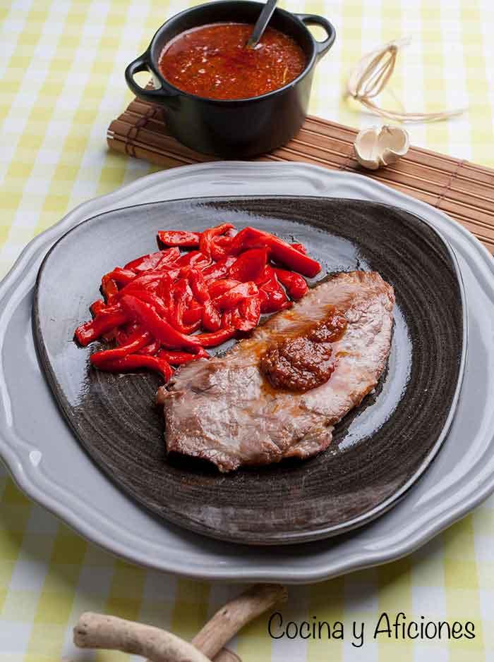 presa-ibc3a9rica-en-salsa-chimichurri